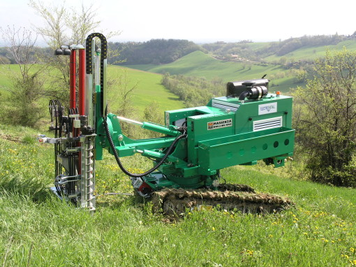 The MIP18 Slope Climbing Machine – World first slope climbing CPTu penetrometer drilling rig